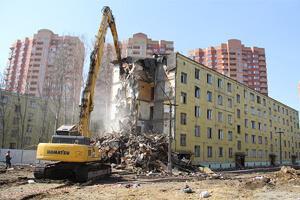 Демонтаж ветхих домов