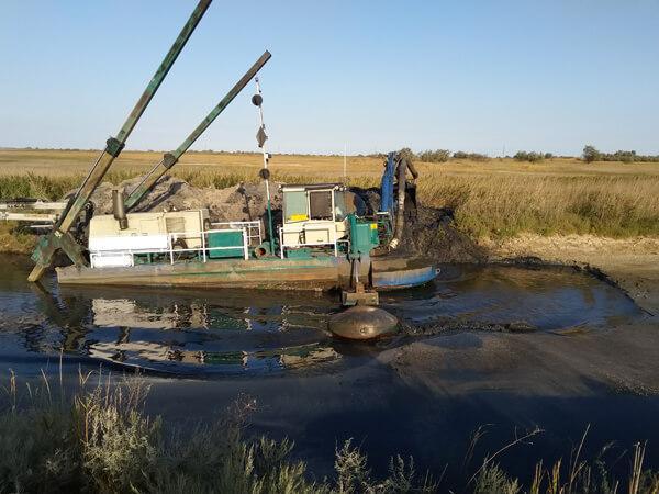 Расчистка канала (Запорожская область, Кирилловка)