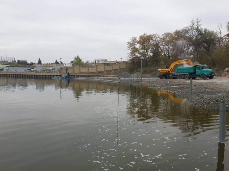 Укрепление берега и строительство набережной (Днепр)