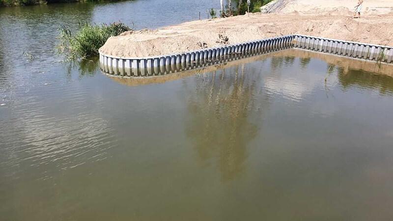 Укрепление берега шпунтом в селе Козин 2