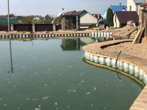 укрепить берег пруда шпунтом ПВХ